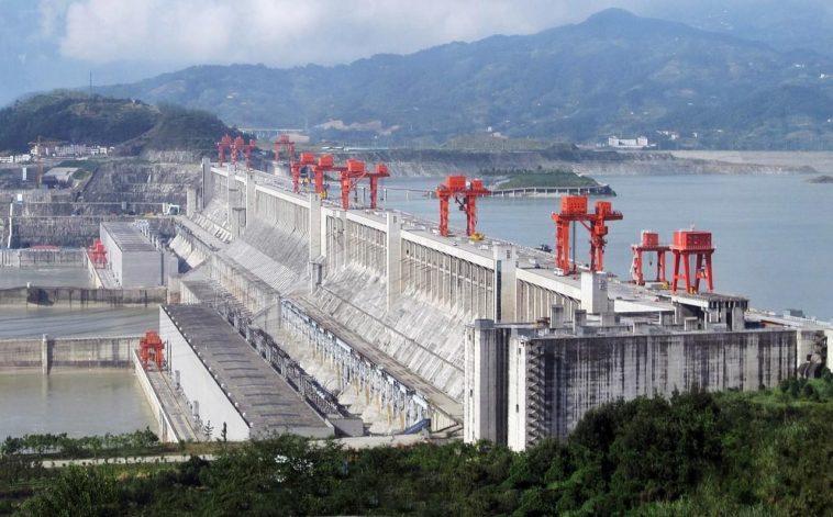 Üç Boğaz Barajı gövdesi